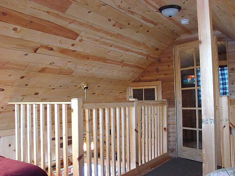 loft area of 16' cabin