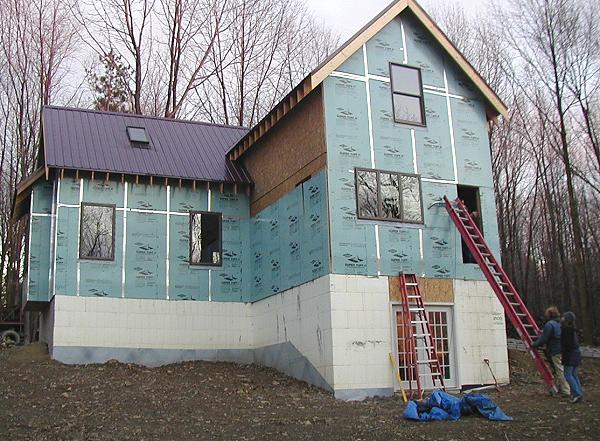 Modified victoria 39 s cottage w ecoblock and insuated sheathing for Sheathing house wrap