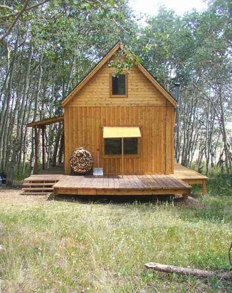 Tiny hunting camps all glass and timber modern mountain for Tinyhousedirect com