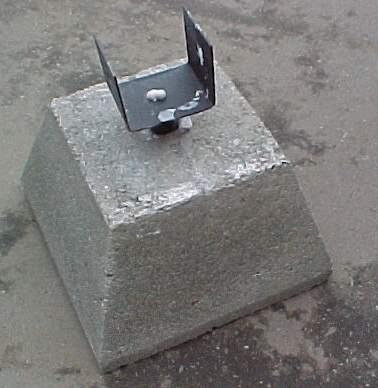 Concrete pier w brackets for Foundation brackets